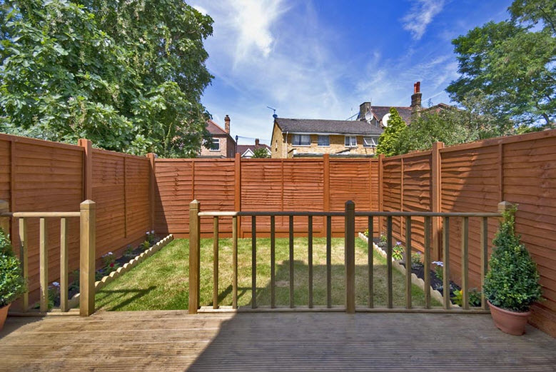 Related keywords suggestions for landscaping and fencing for Garden decking fencing